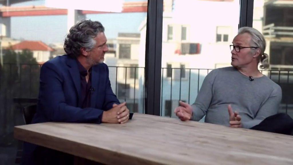 """Christopher Exley tegen filmmaker Del Bigtree : """"Ik krijg doodbedreigingen op internet sinds ik me met autisme-onderzoek ben gaan bezighouden. Zelfs mijn eigen universiteit van Keele werkt me tegen, tot in de hoogste rangen."""""""