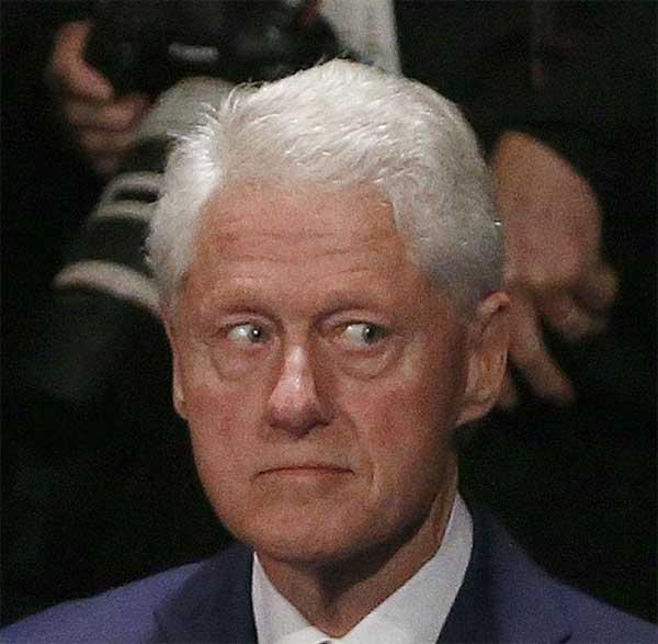 """De vluchtgegevens van Epstein's privéjet laten zien dat Bill Clinton hem 26 maal vergezelde naar zijn """"Pedo-Eiland"""""""